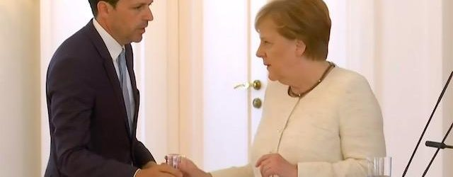 For The Second Time In Weeks Angela Merkel Was Seen Shaking